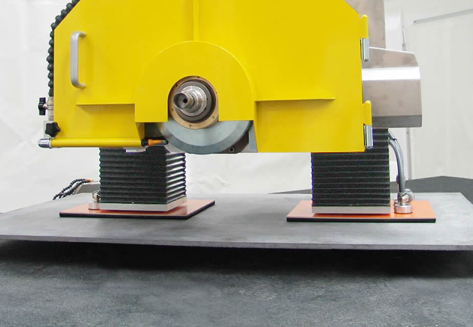Displacement of the main strips through the suction cups manipulator.